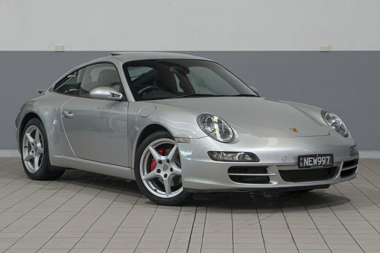 2005 Porsche 911 Carrera Coupe